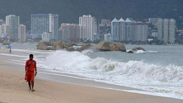 """热带风暴""""洛雷娜""""将登陆墨西哥"""