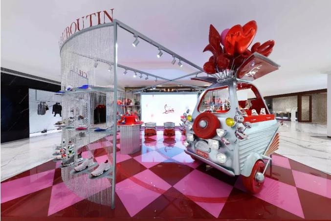 CHRISTIAN LOUBOUTIN | 北京SKP LOUBI CART限时概念店隆重揭幕