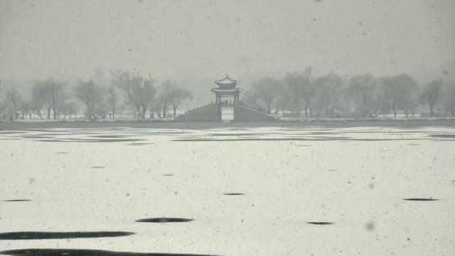 陣風7級+大降溫!雪后北京處處銀裝素裹,美景驚艷