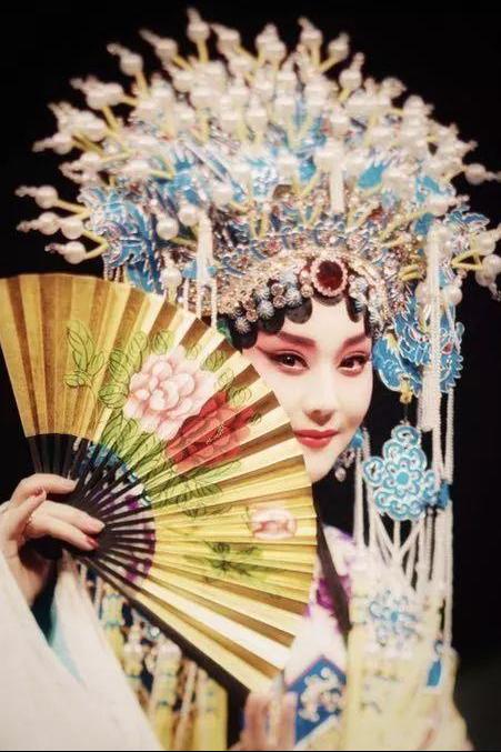 《亮相》跨界讲述京剧人的故事