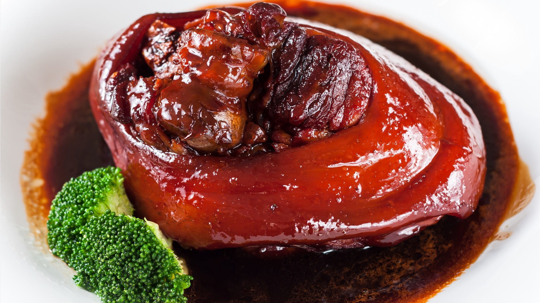 Menu for Spring Festival Eve: Red braised pork belly