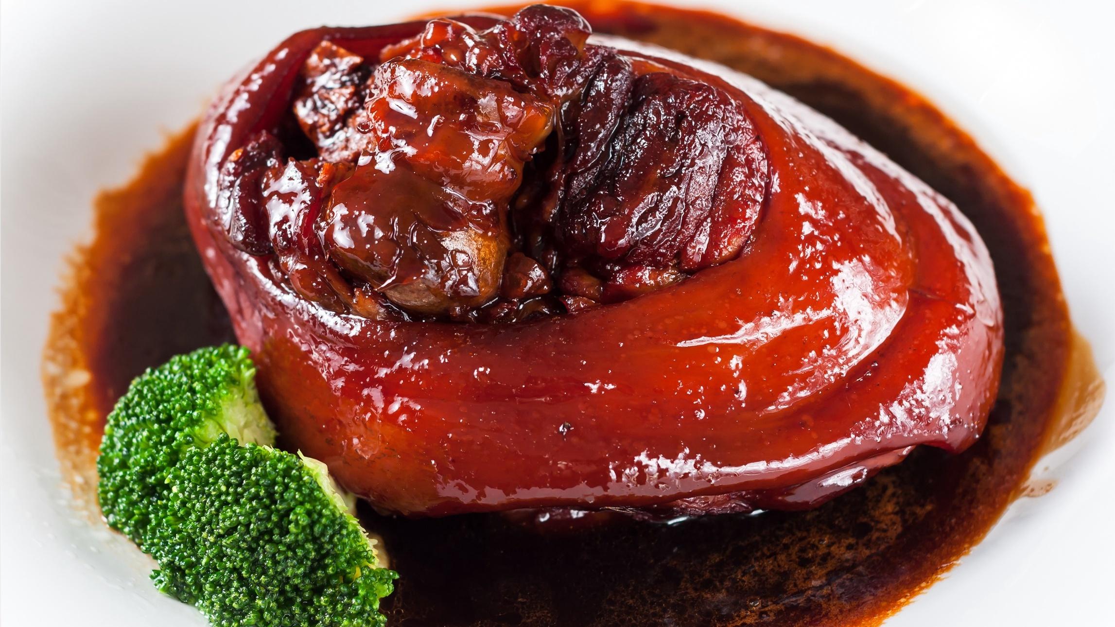 Menu for Spring Festival Eve: Red braised pork belly