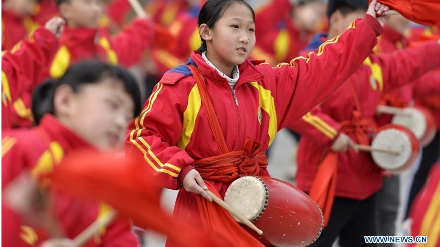 Students practice waist drum dance in Xingtai, north China's Hebei