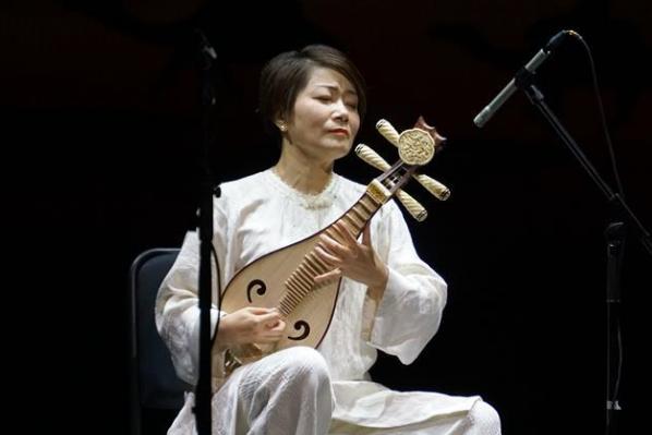 《敦煌国乐——中国国乐名家音乐会》在敦煌演出