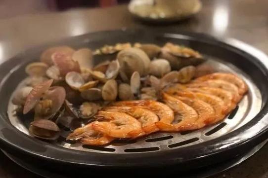周末,一起去吃虾吧!