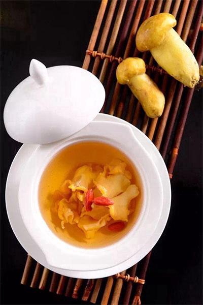 一碗鲜香的热汤,地温暖一个人