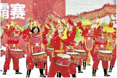 正定县2019年第十五届鼓王争霸赛在南城门瓮城内举行