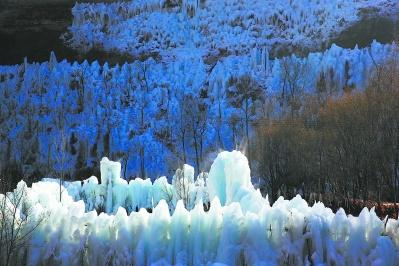 冬日画卷徐舒展 看冰赏雪正当时