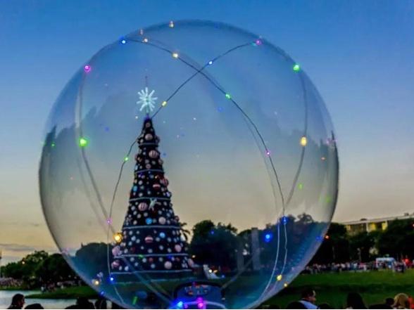 速来打卡!澳门葡京赌场这处时尚胜地,圣诞树、小火车已就位,带上小伙伴来拍照!