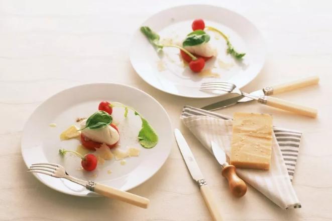 调整健康饮食结构,从轻食餐厅开始!