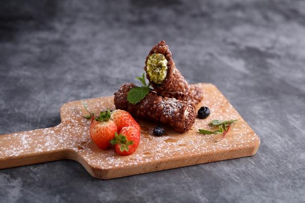 北京丽晶酒店迪卡博意大利餐厅推出地中海风情美味大餐