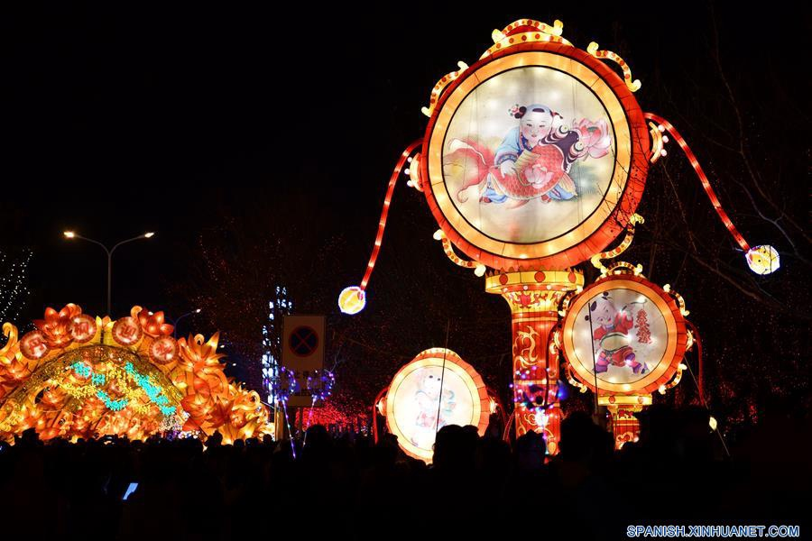 Celebran Festival de los Faroles en Tianjin