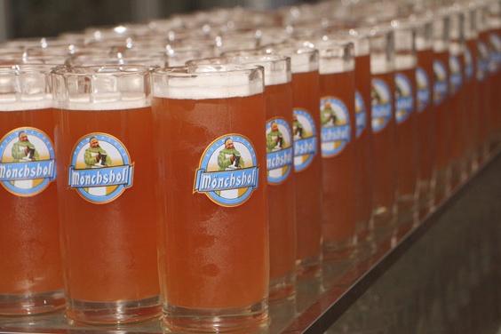 新云南皇冠假日酒店举办德国啤酒节