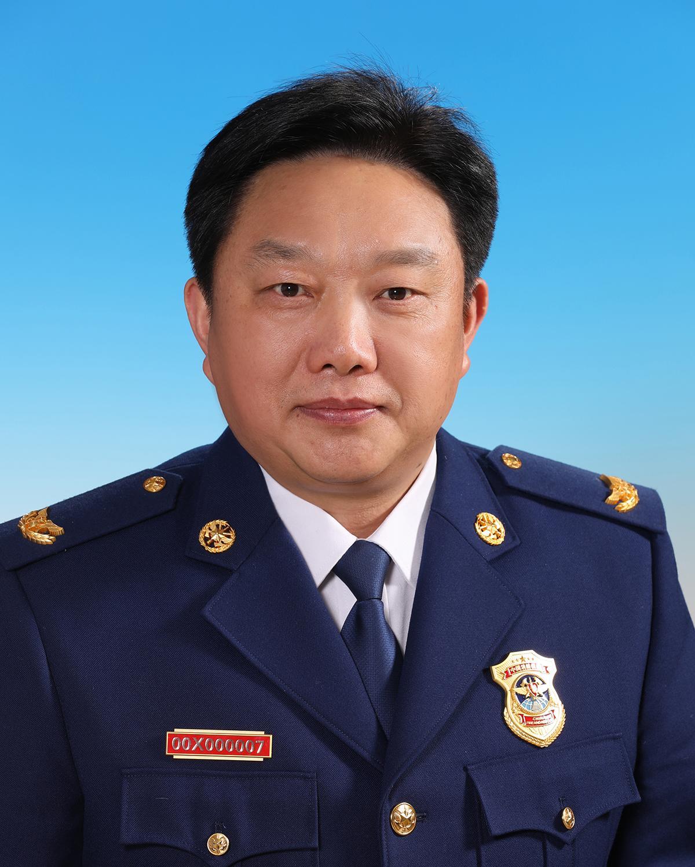 党委委员、副局长魏捍东