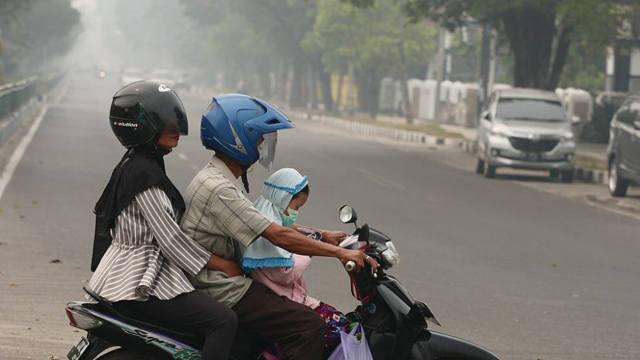 印尼:森林火灾引发烟霾持续