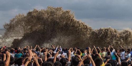 八月十八观潮季来临 盘点历年钱塘江大潮